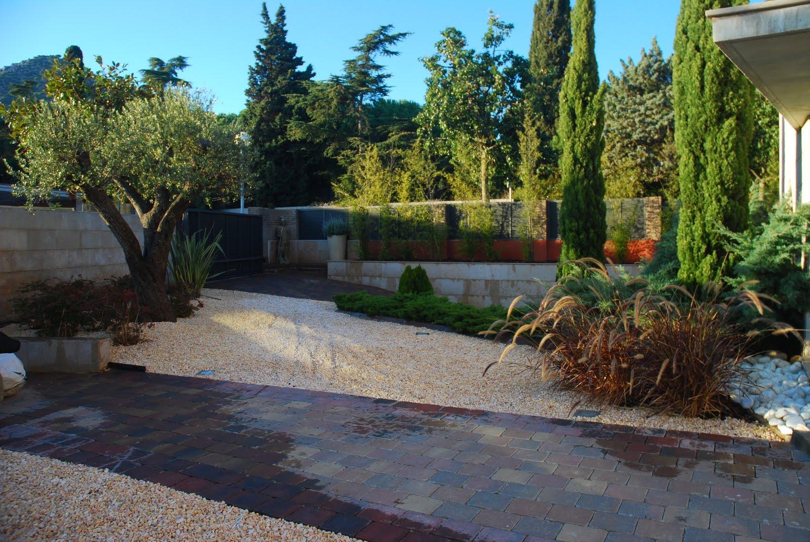 Jardin moderno jardin moderno mediterraneo for M jardins miniac morvan