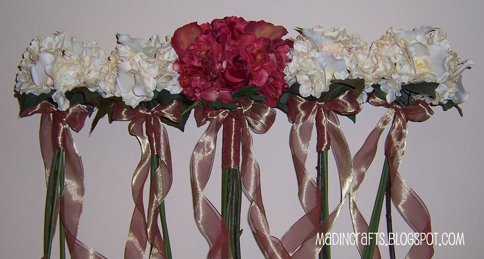 Wedding Crafts: Brides\' and Bridesmaids\' Bouquets - Mad in Crafts