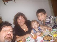 Cena en familia - Maty, Adrián, María Laura y Agustina