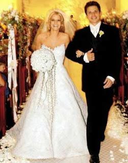 I Loved Rebecca Romijn S Carefree Bride Look Very Beachy Love Beach Weddings