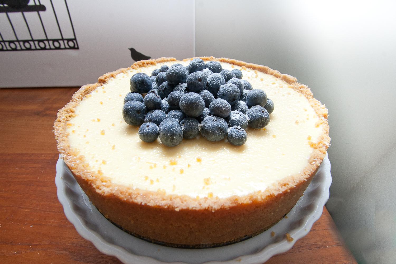 the sugar nazi: Baked Sour Cream Cheesecake