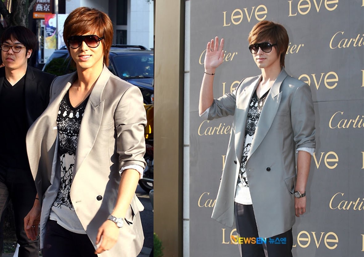 http://3.bp.blogspot.com/_P1z-S8bYwyY/TFWIjRcSugI/AAAAAAAAAEE/20wKlX583_I/s1600/Celebrity+Yunho+and+Cartier+Love+ring+(small).jpg