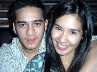 http://3.bp.blogspot.com/_P2JXyaHKPQ8/SRCAGlBioJI/AAAAAAAAATY/zjVTueFFdR0/s400/Mario+Lawalata-Marsha+Timothy.jpg