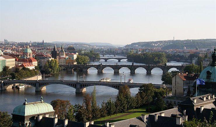 http://3.bp.blogspot.com/_P3gqcL2Brb0/TOyLi8g5hFI/AAAAAAAACwc/-oXErABkskk/s1600/Prague%2B%2528Czech%2BRepublic%2529.jpg