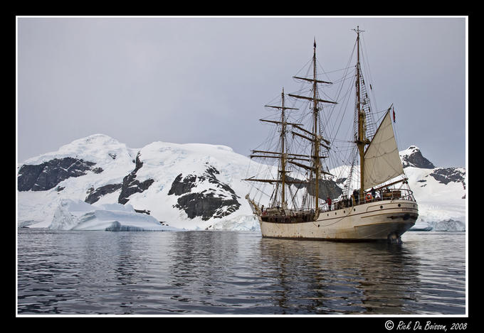 7775942 - Antarctica