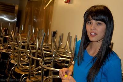 http://3.bp.blogspot.com/_P3h8ed-rI0Q/SFdQUugPIII/AAAAAAAAAFQ/VSFS3jSvNlY/s400/Priscilla+Ahn+Tim+Needles.jpg