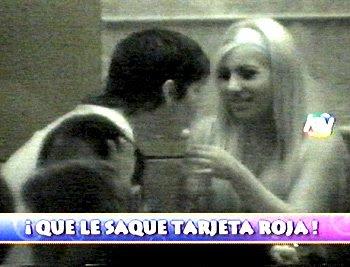 Enrique Bologna ampayado con bailarina Cristina Rodriguez