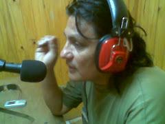 """Por La Mix 102.7 con """"Mengueche El Trovador"""""""