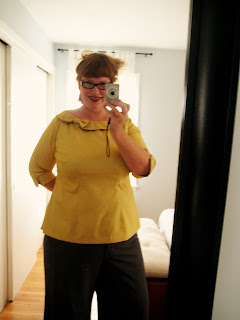 Yellow bow shirt&#8230; or how to make an easy shirt impossibly hard to make (New Look 6808)