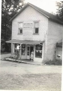 "Smith""s General Store"