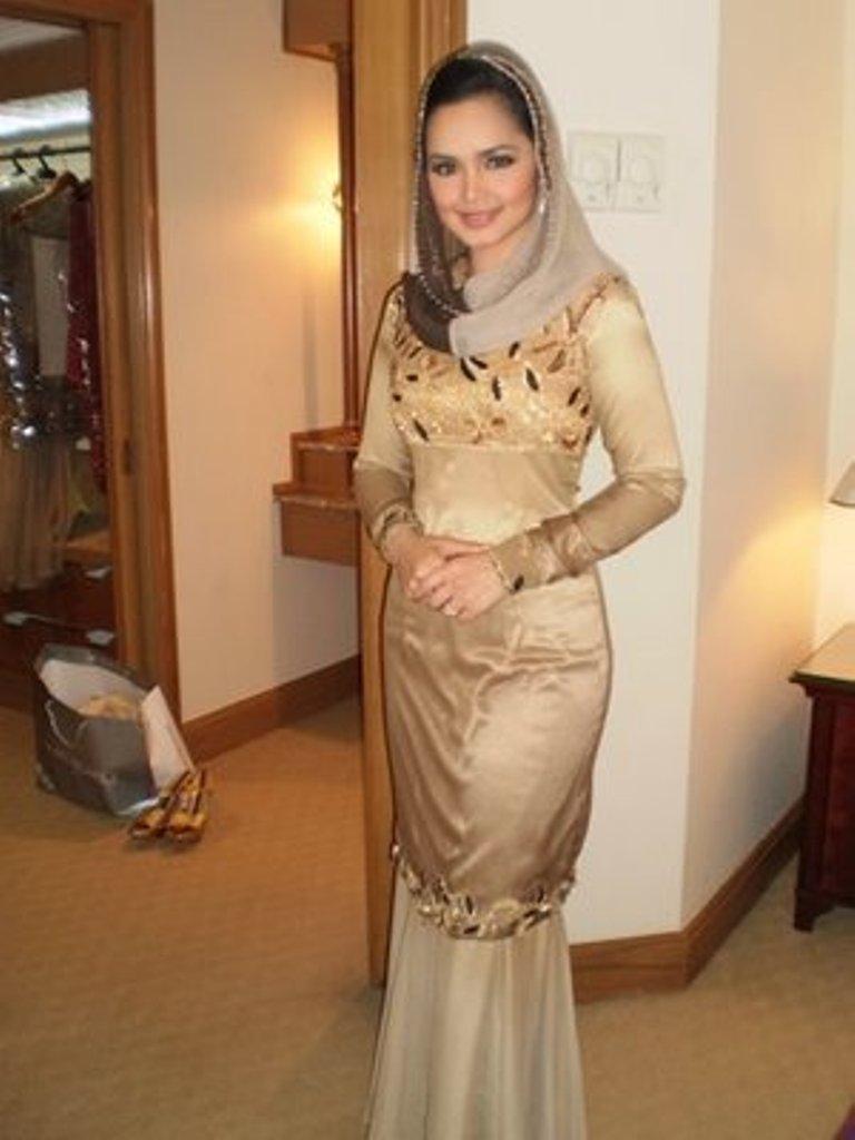 Fesyen Baju Kurung Moden Siti Nurhaliza