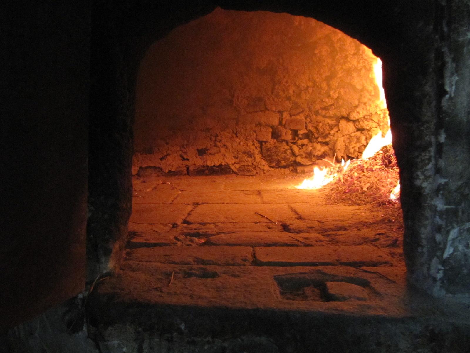 Felixavanza haciendo pan en horno de le a en el barranco - Hacer pan horno de lena ...