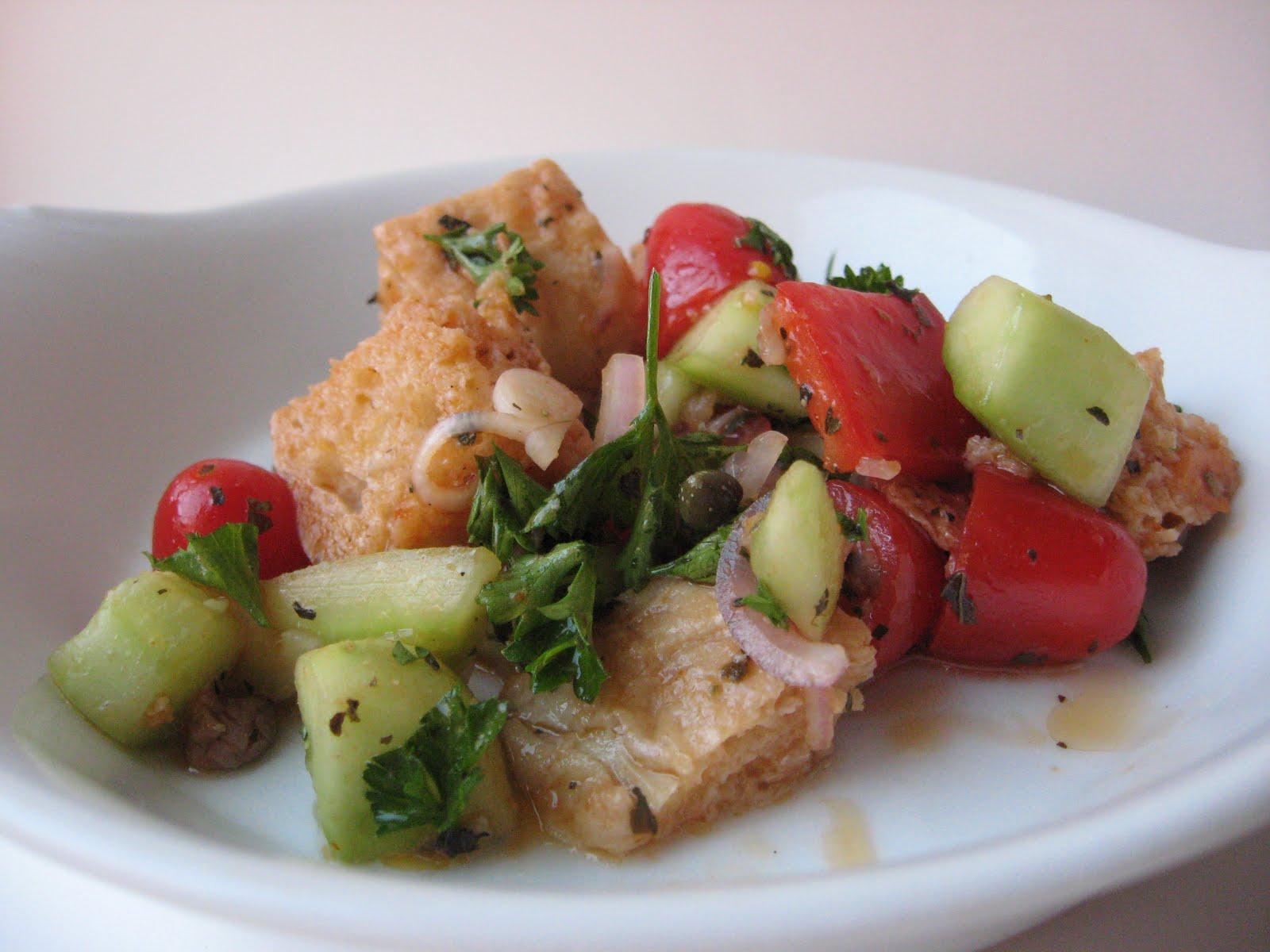 she's in the kitchen: panzanella ( italian bread salad)