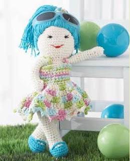 Dolly Donations: Free Cute 13inch Crochet Doll Pattern!