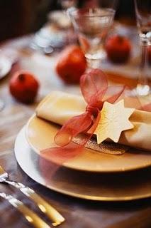 Protocolo en Navidad. Cortesía en la mesa