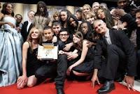 El equipo de `La clase´, de Laurent Cantet, tras ganar la Palma de Oro en Cannes 2008