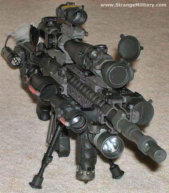 Senjata sudah menjadi bagian dari dirinya senjata sudah menjadi barang