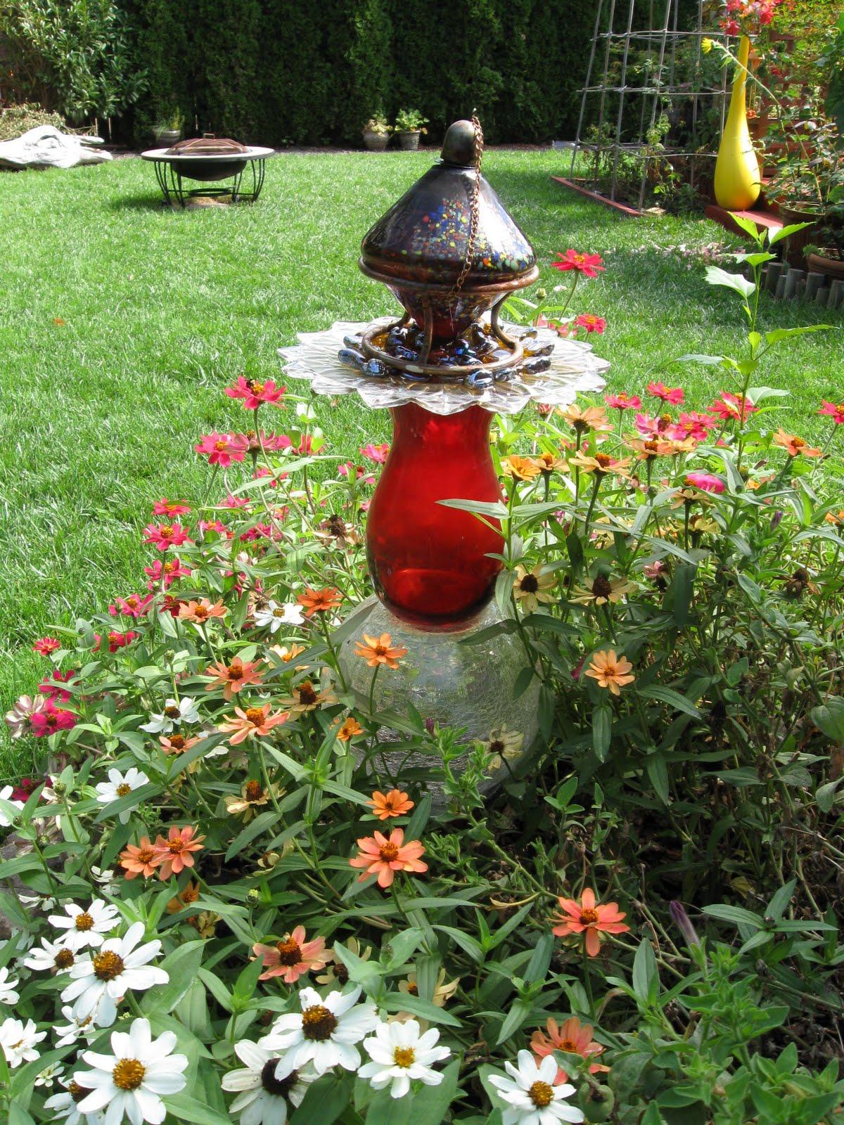Wow Thats A Busy Garden My Garden Junk Art
