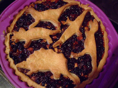 Mincemeat tart (with dinosaur motif)