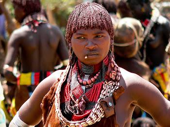 FEMEIE AFRICANA
