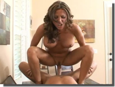 Download Vídeo Sexo:  Cavalgada Sensacional