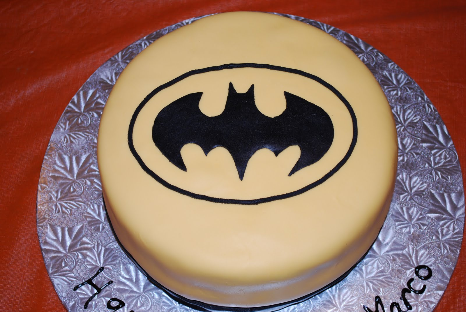 Batman cake template cake ideas and designs for Superman template for cake