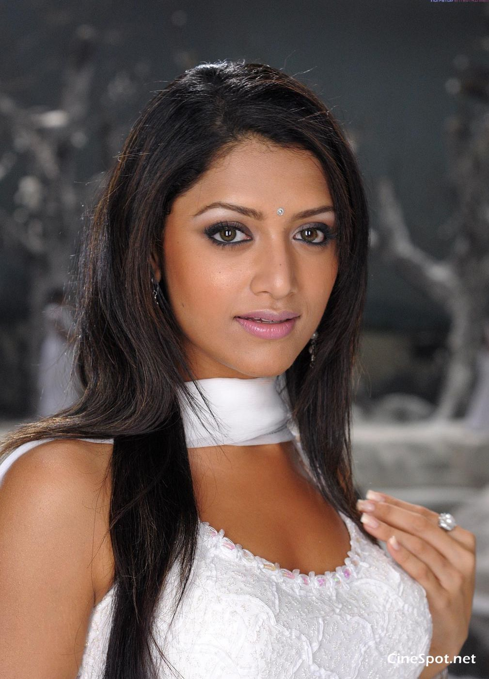 Mamtha Mohandas Hot White dress stills