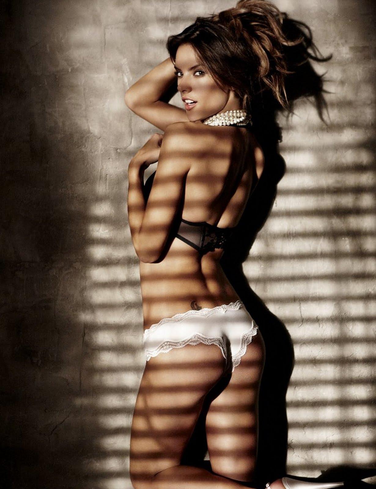 http://3.bp.blogspot.com/_PN9Kbmw_Hq8/TTOBlHfxmcI/AAAAAAAAMIM/D5jUwoEE-5E/s1600/Alessandra%2BAmbrosio.jpg