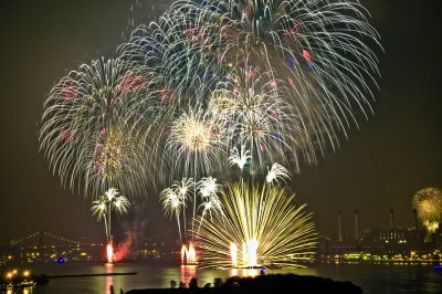 [fireworks-show-21.jpg]