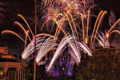 [fireworks-show-05.jpg]