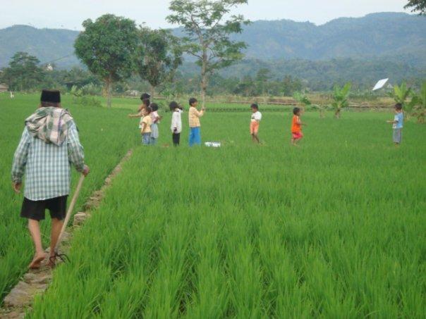 Sarana Bermain Anak Desa