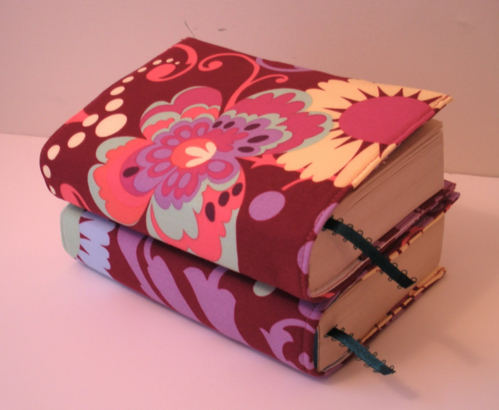 Sewing Book Cover ~ Sew spoiled tightly spooled book cover tutorial