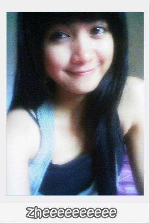 Gadis Melayu Berkain Batik Melancap -