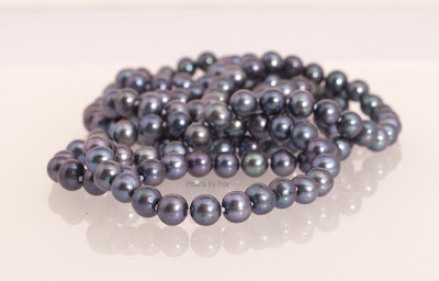 a dazzling 60 combination of white black gray gold 8mm pearls comes hand knotted on a fine silk string and with sterling silver clasp - Coloration 60