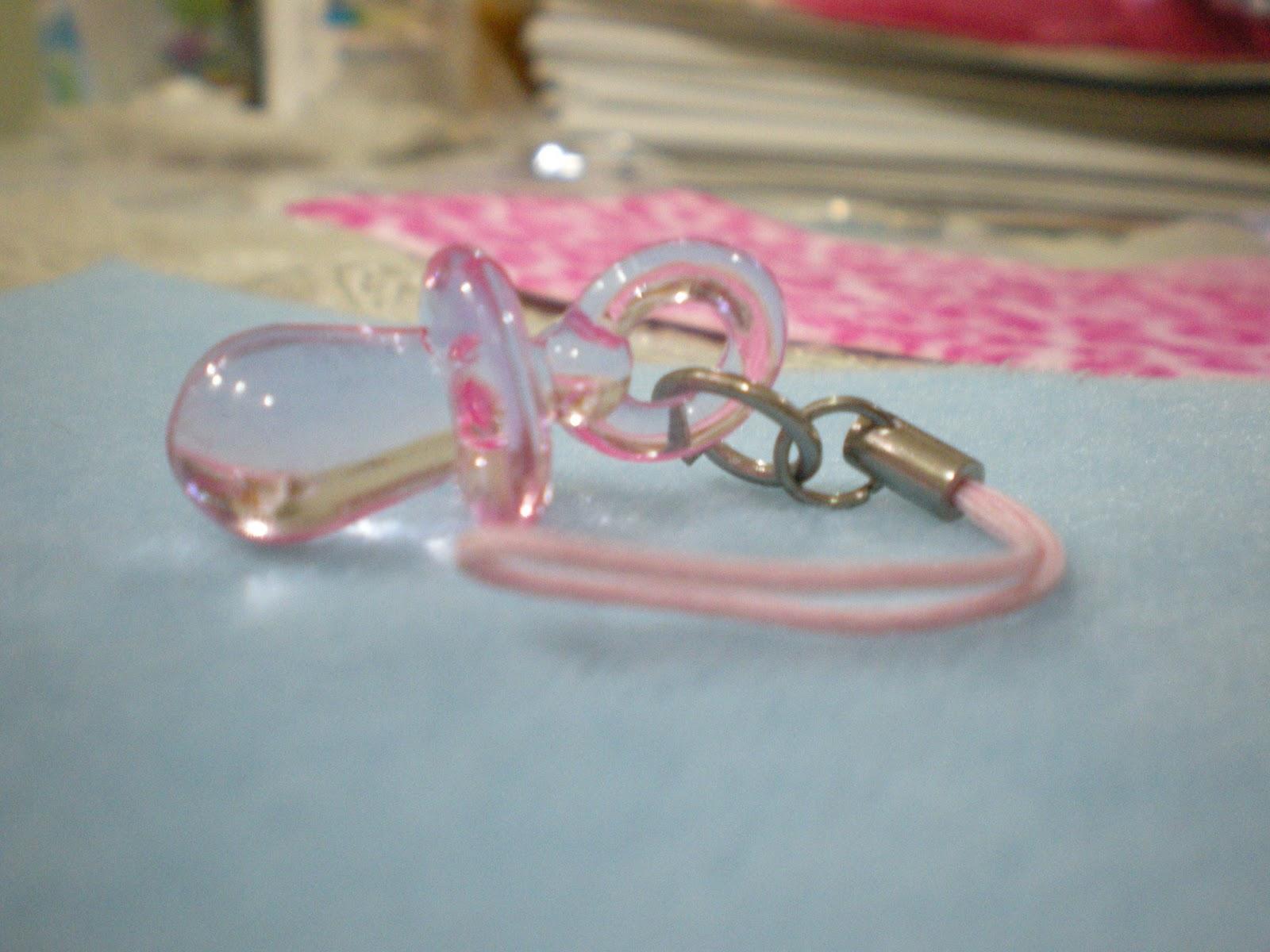 http://3.bp.blogspot.com/_PQqKmxAGqas/TOFa0aNPDpI/AAAAAAAAAA8/YNmjNxXzsMY/s1600/pink+pacifier_2.JPG