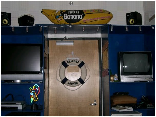#92: Overly Elaborate Dorm Room Configurations Part 28
