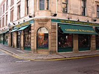 gordon & macphail whisky shop, elgin