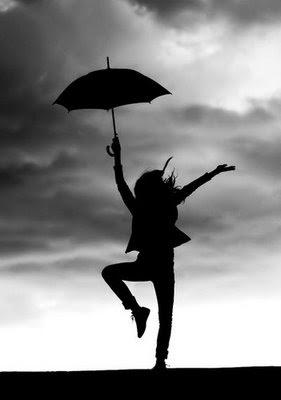 Dáždnik súčasťou outfitu