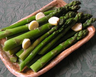 Asparagus with Lemon Pepper Butter