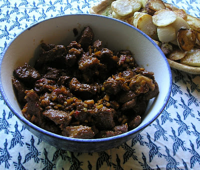 Stinky Meat - Beef with Garlic, Soy Sauce and Chile-Garlic Sauce