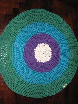 Alfombra blanca,lila,turquesa y verde