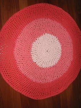 Alfombra en tonos de rosa y coral