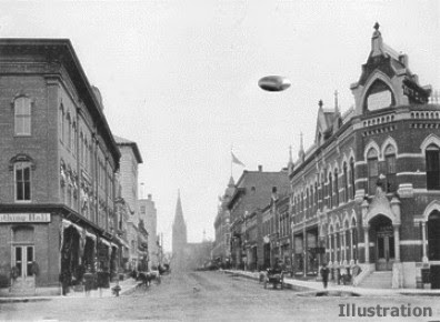 UFO Over Mainstreet La Crosse  Wisconsin