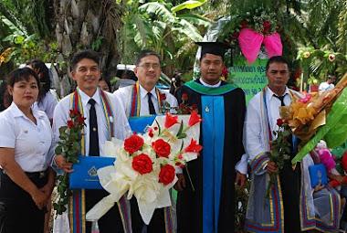 แสดงความยินดีกับผู้สำเร็จการศึกษา