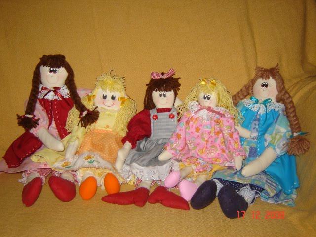 Encantadoras bonecas de pano...