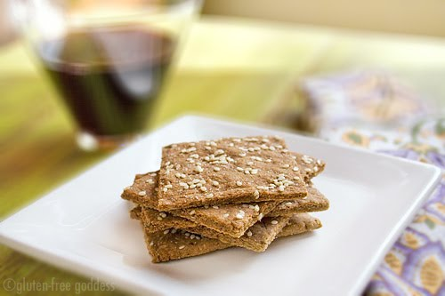 Gluten-free crackers with garlic and sesame