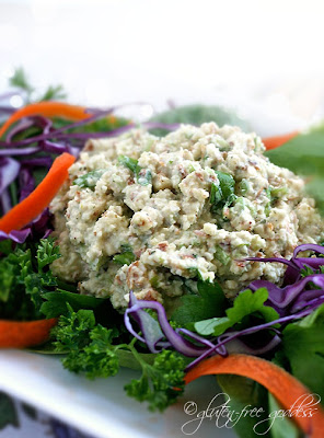 Almond salad is raw and vegan and delicious
