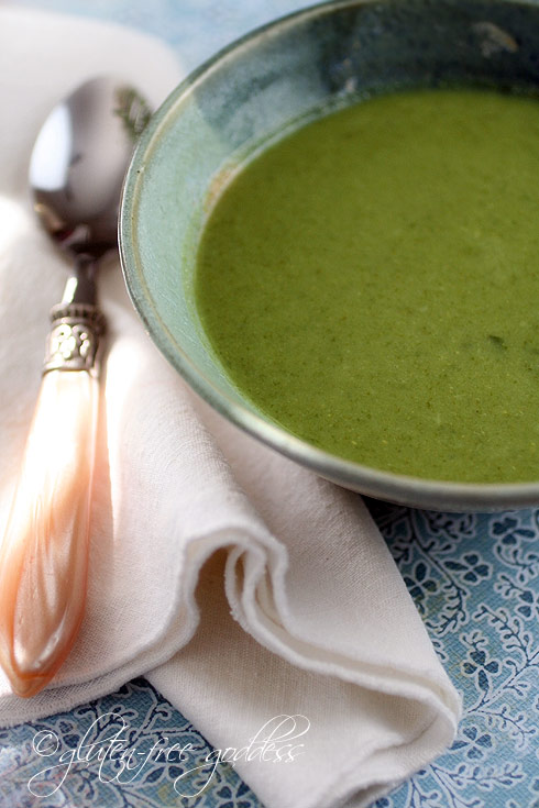 Detox Green Soup Recipe with Broccoli, Spinach and Ginger | Gluten ...