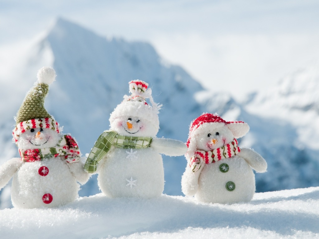 http://3.bp.blogspot.com/_Pbah3DkB1y4/TSoAZLpjn7I/AAAAAAAAAbA/PYSDqRDOCaI/s1600/happy-three-snowmen-04.jpg
