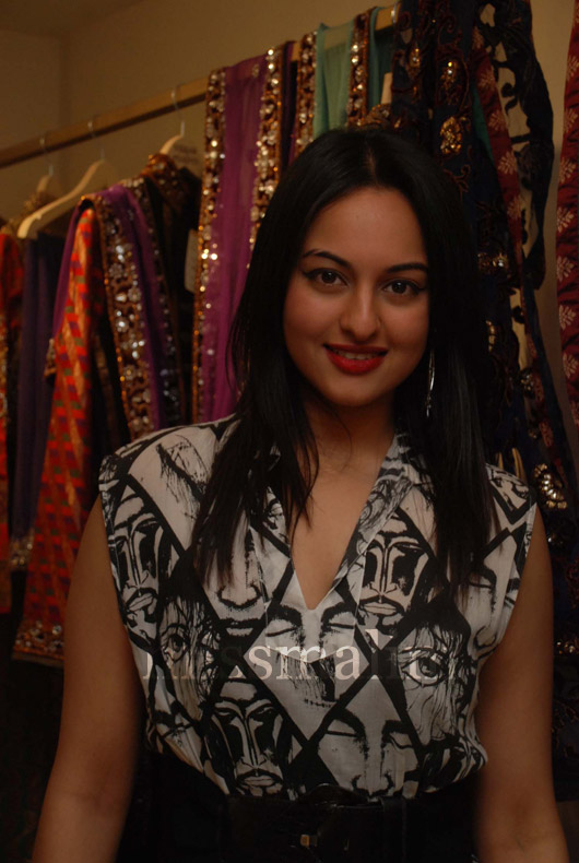 sonakshi Search - XVIDEOSCOM